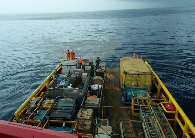Спасательные работы на месте крушения самолета Lion Air flight JT610 в Индонезии