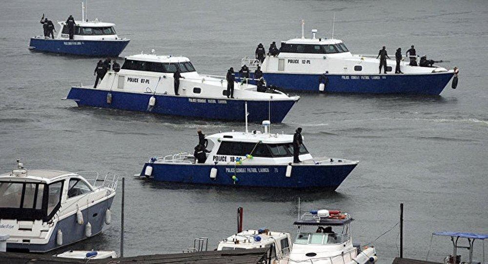 中国舰艇编队在中国钓鱼岛领海内巡航