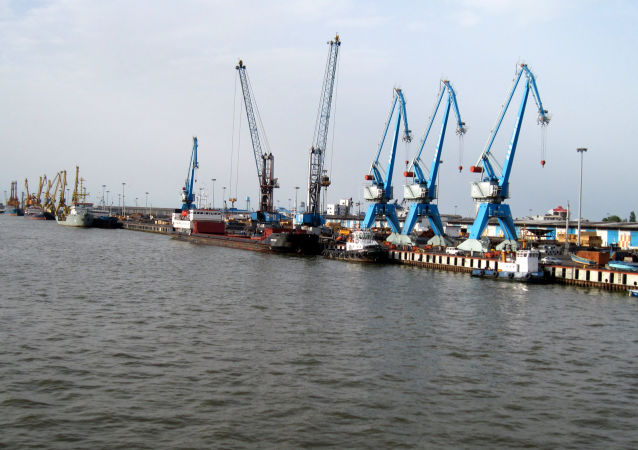 里海的安扎利港