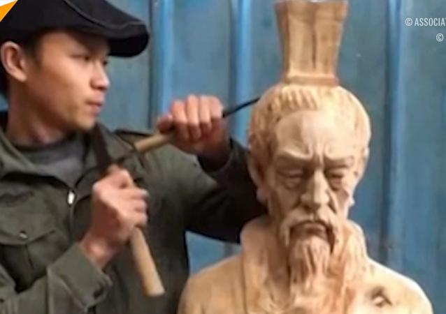 中国男子妙手木刻名人