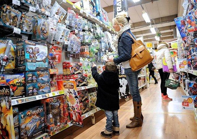 媒体:巴黎一退休女士因无聊在玩具店盗窃700多次