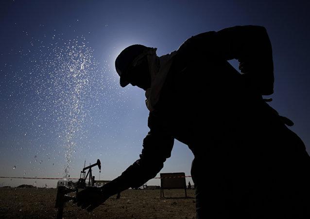 伊朗外长:美国无法令伊朗原油出口量显著减少