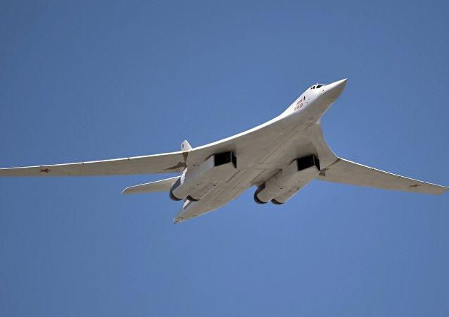 俄导弹轰炸机图-160