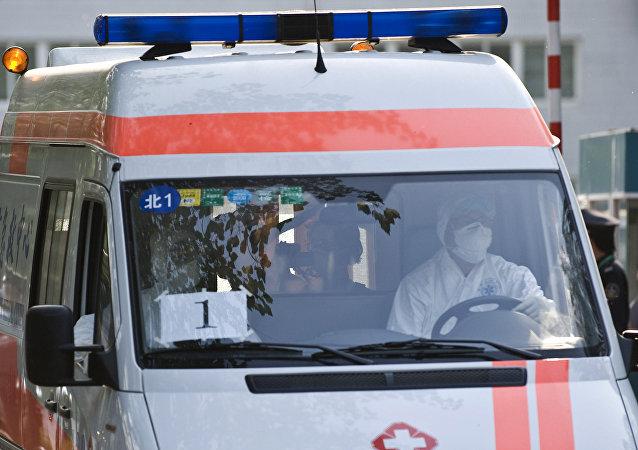 辽宁男子开车撞向多名小学生