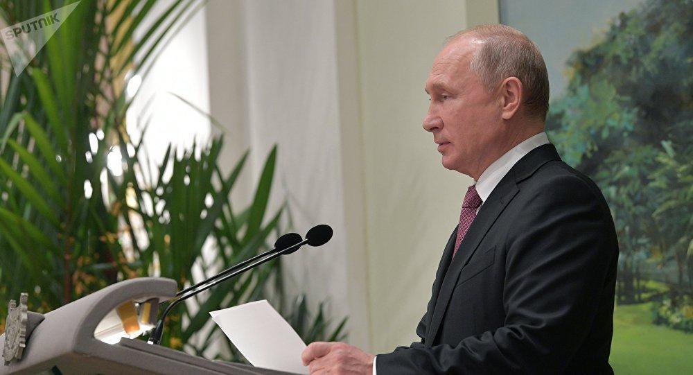 普京邀请东盟国家商人参加圣彼得堡国际经济论坛和东方经济论坛