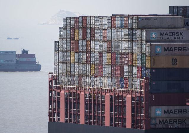 中国外长:中美贸易关系应当遵守世贸组织规则