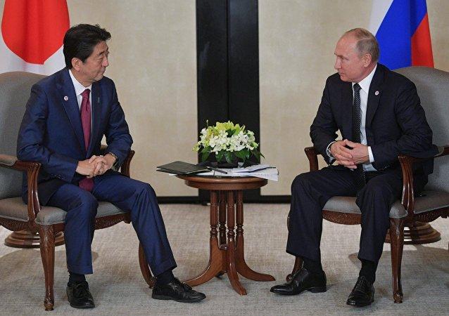 日本在野党要求安倍告知与普京就争议岛屿达成何种协议