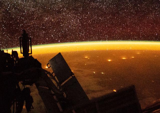 俄科学家:研究地球大气层瞬时发光的望远镜将于10月在国际空间站上开始运行