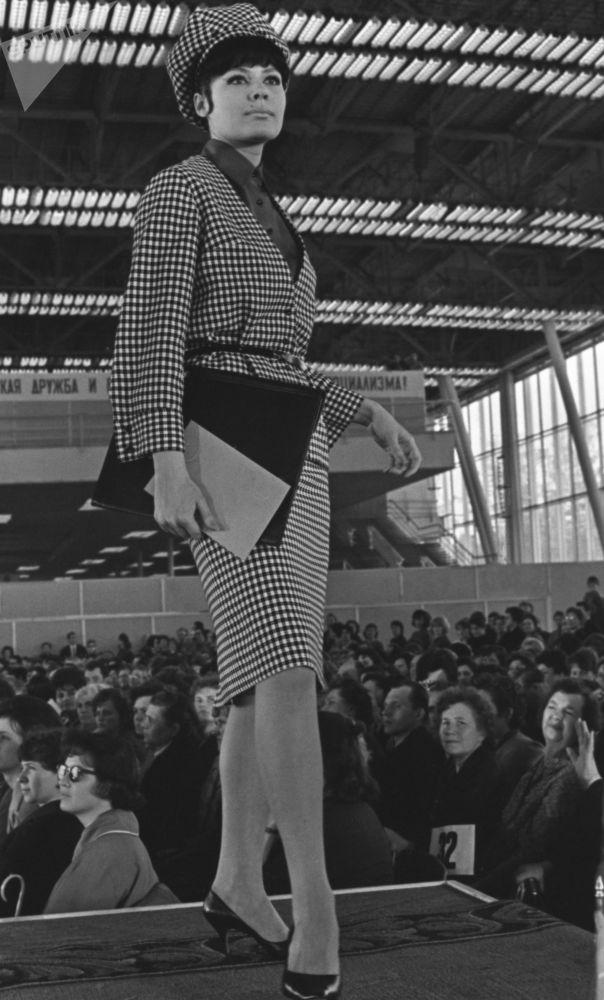 苏联时尚:T台上下