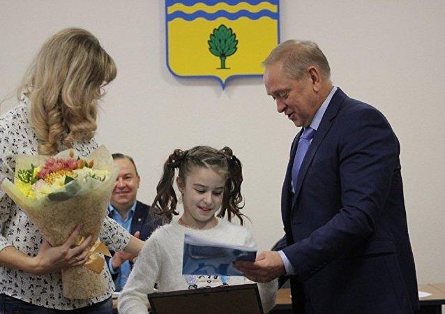 10岁女孩创下俄罗斯引体向上记录