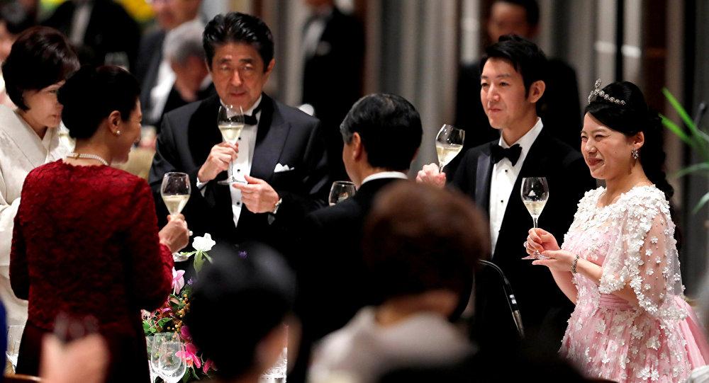 日本将减少新天皇登基礼宴数量