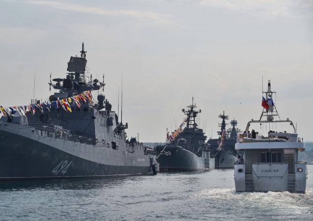俄罗斯军方与北约同时在黑海举行演习