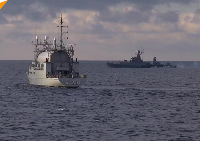 """""""坚强""""号护卫舰和""""卡尔梅克""""号猎潜舰在波罗的海上的鱼雷决斗"""