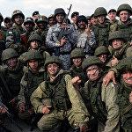 """俄印军方在""""因陀罗""""演习中"""
