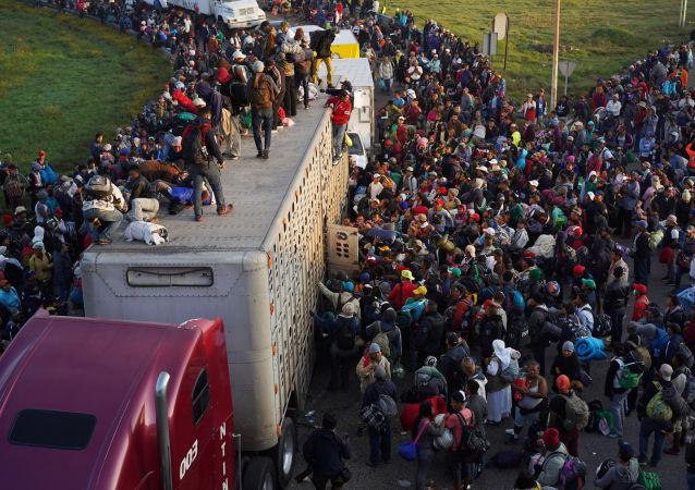 墨西哥总统:墨西哥将向寻求赴美国的移民提供人道主义援助