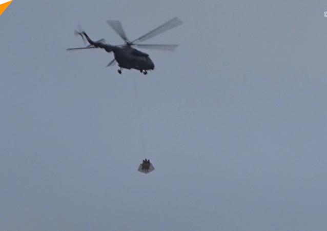 直升机飞越克里姆林宫上空