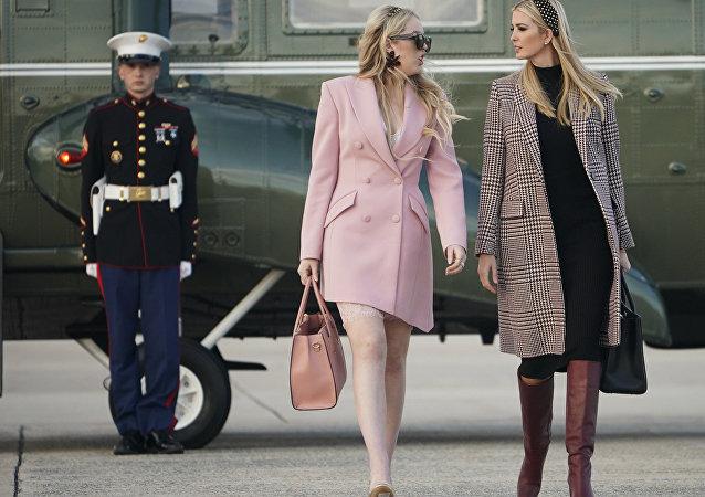 特朗普女儿穿着带价格标签的鞋出镜