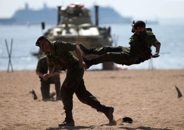 俄太平洋舰队滨海边疆区海军陆战队接装40辆新式步兵战车