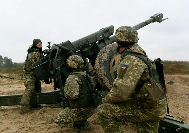 乌克兰防空导弹部队在顿巴斯进行演习