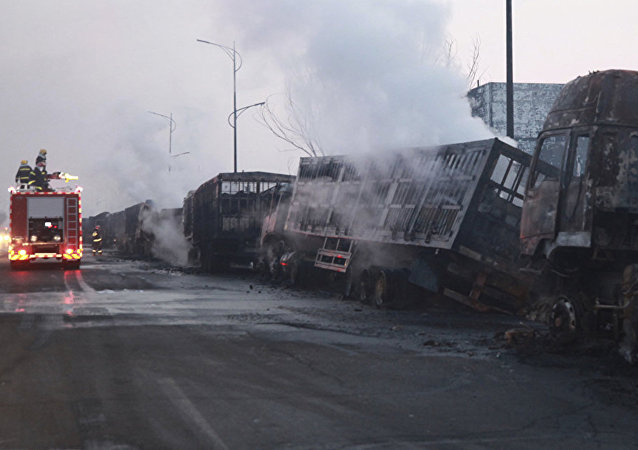 Последствия взрыва вблизи химзавода в городе Чжанцзякоу провинции Хэбэй на севере Китая. 28 ноября 2018 года.