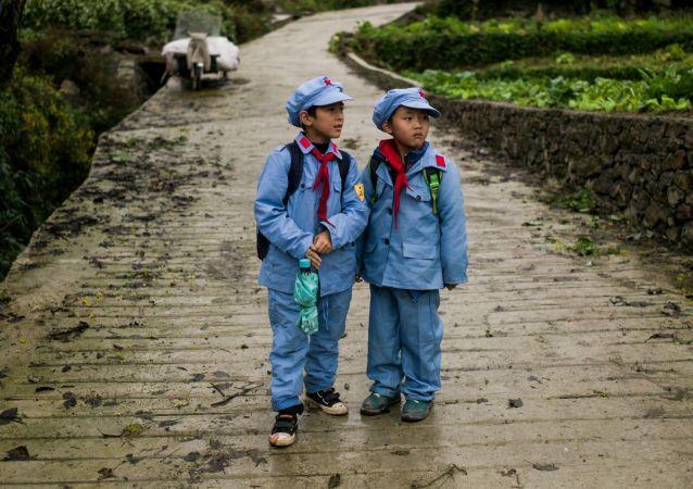 中国对教师的要求愈加严格
