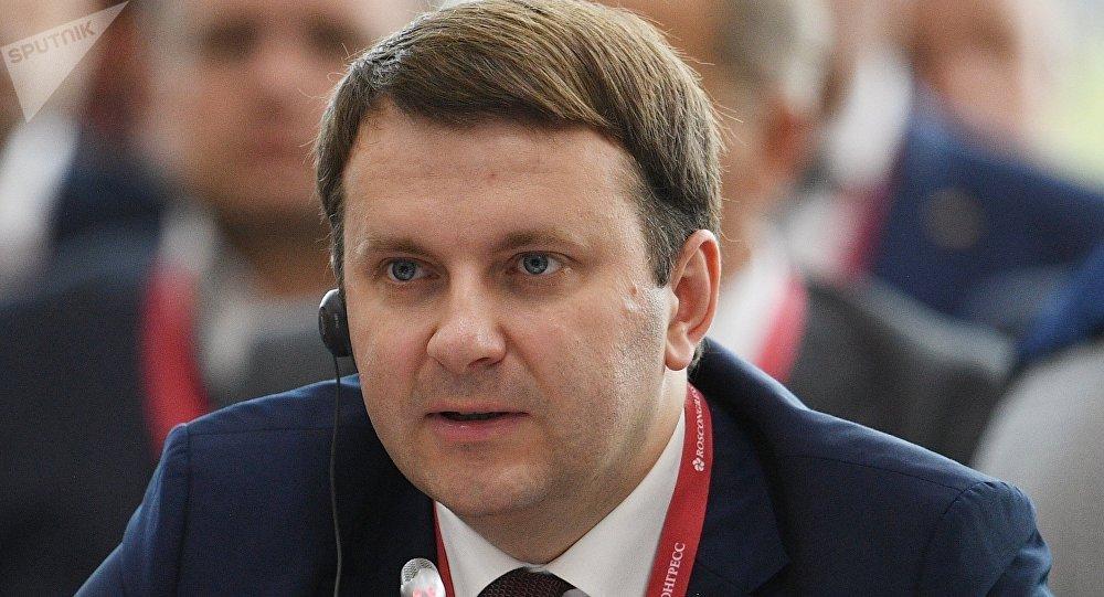 俄经济发展部长:中美贸易谈判的不可预知性为世界经济定向
