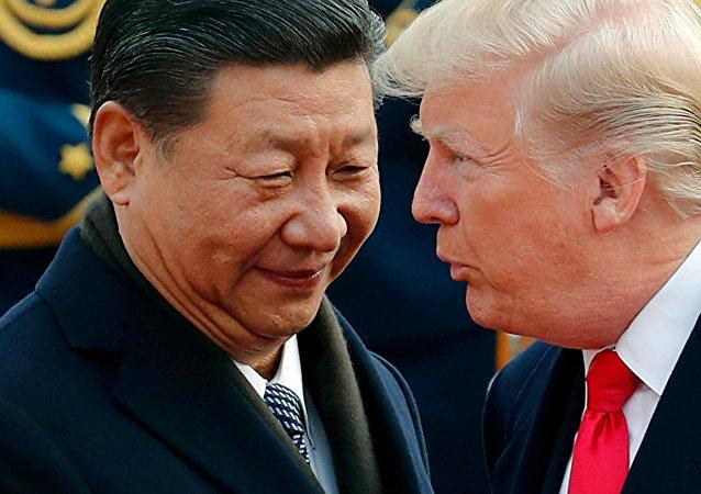 Президент США Дональд Трамп и председатель КНР Си Цзиньпин. Архивное фото.