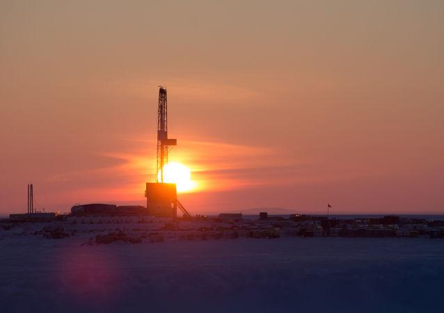 俄副总理:俄罗斯明年1月将把石油日均产量较当前提高12.5万桶