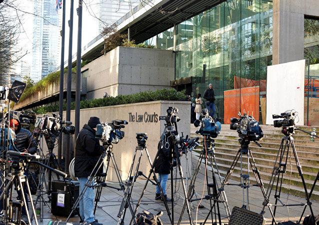 华为首席财务官抵达加拿大法庭参加保释听证会
