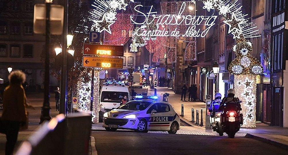 Полиция на рождественской ярмарке после стрельбы в Стасбурге