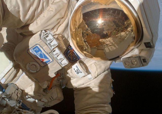 俄罗斯宇航员在外空