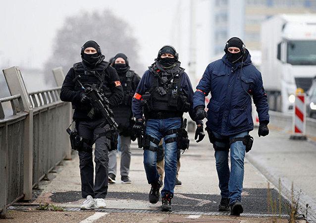 媒体:执法机关释放斯特拉斯堡枪手4名亲属