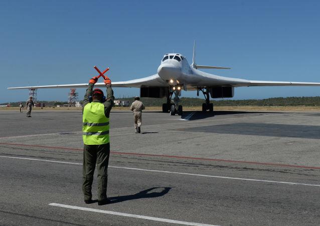 俄图-160轰战机