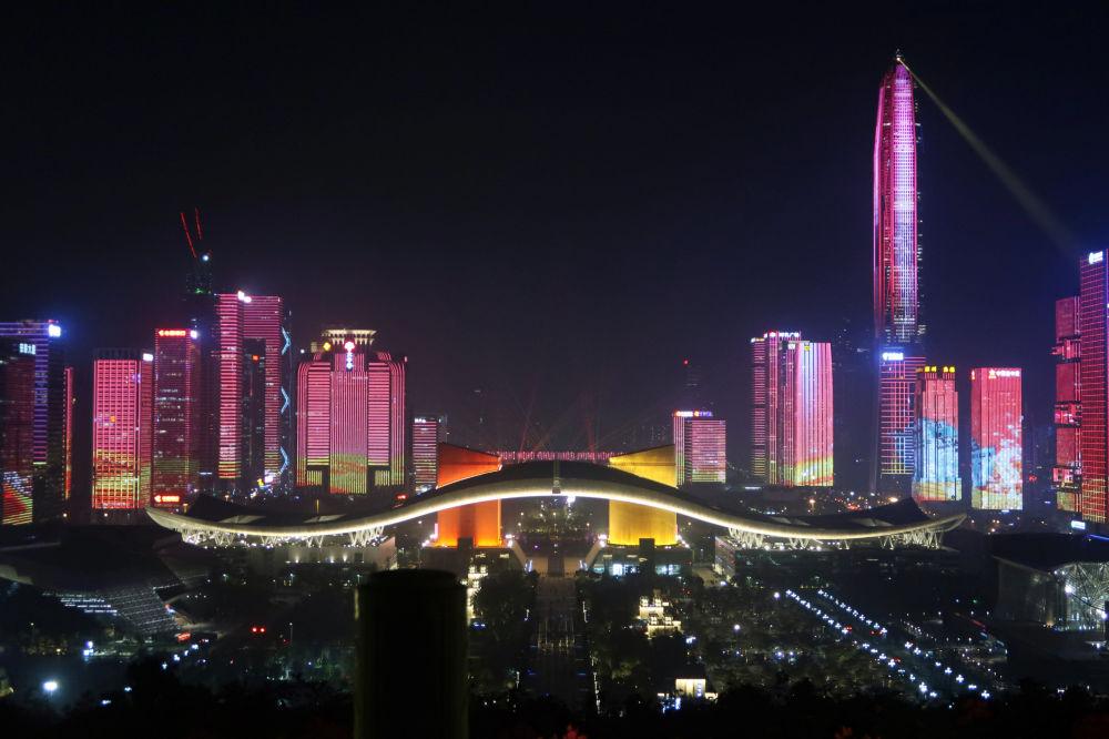 中国改革开放四十周年前夕的深圳照明