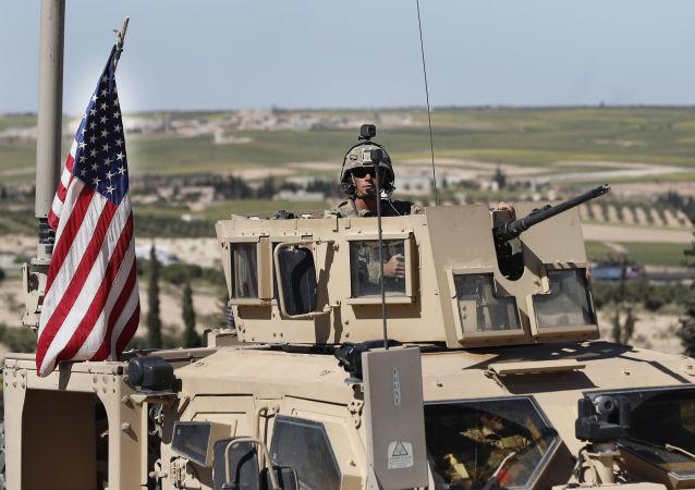 消息人士:美国从叙利亚撤军有利于揭示联军军事罪行