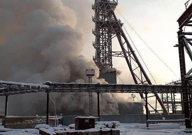 俄彼尔姆边疆区索利卡姆斯克区正在建设的乌拉尔钾肥公司4号矿井12月22日早上发生火灾