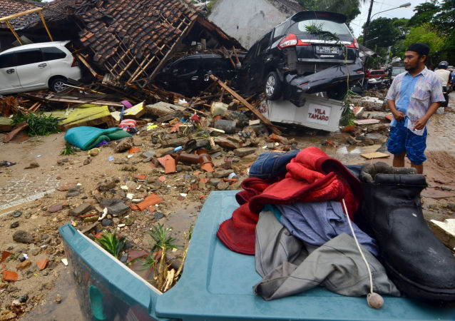 Разрушения после цунами в Индонезии