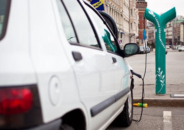 伊隆∙马斯克承诺在整个欧洲为特斯拉汽车建加油站