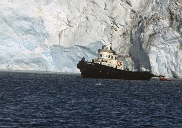 斯瓦尔巴群岛的Nordenskiöld冰川