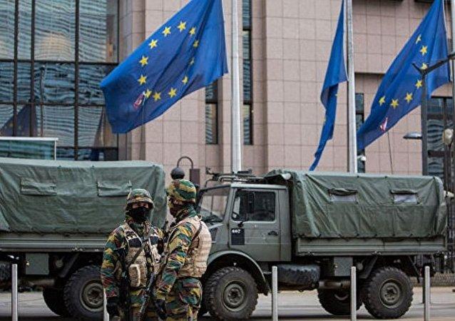 担心俄间谍活动 驻波罗的海三国的比利时军人将被禁止使用智能手机