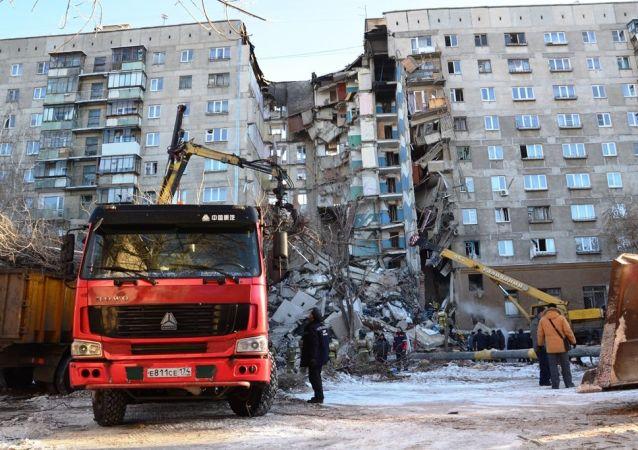 俄总理:政府将拨款220万美元援助马格尼托戈尔斯克爆炸事件受害者