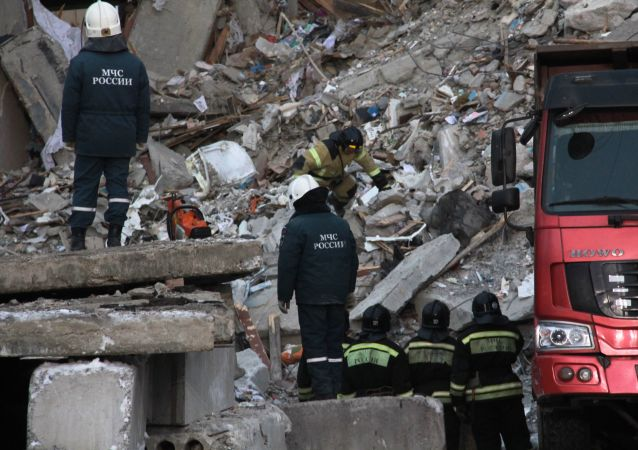 俄紧急情况部总局:燃气爆炸现场依然存在建筑坍塌危险