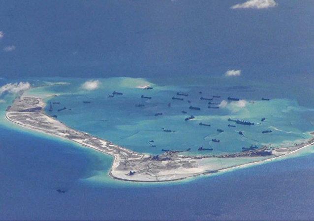 中国外交部:美国军舰擅自进入中国海域行为侵犯中国主权