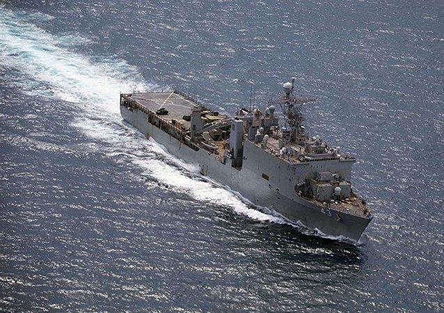 美国登陆舰(资料图片)