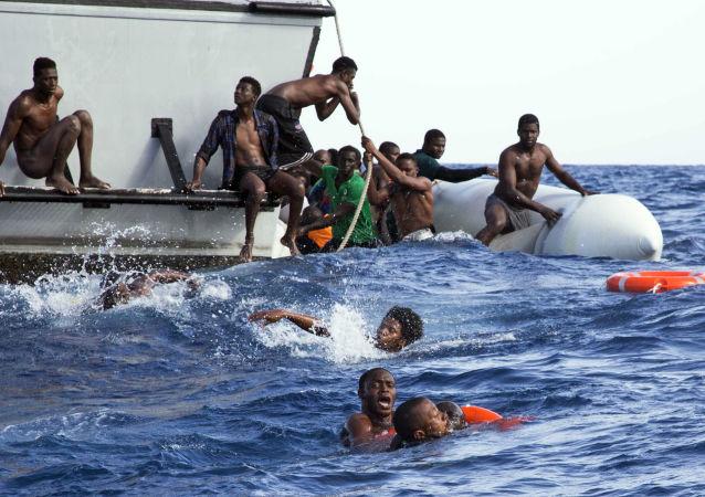 欧盟委员会:欧盟2015年以来已在地中海营救65万余名难民
