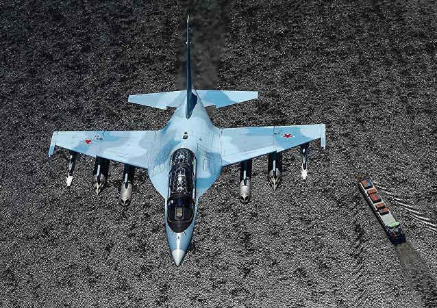 俄已向老挝供应4架雅克-130战斗教练机