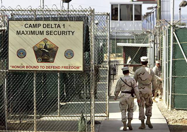 美国关塔那摩海军基地前司令因雇员死亡事件被捕