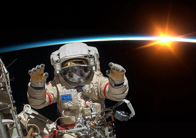 Космонавт.