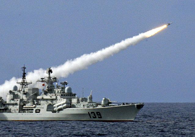 中国海军在暹罗湾展示自己的舰队