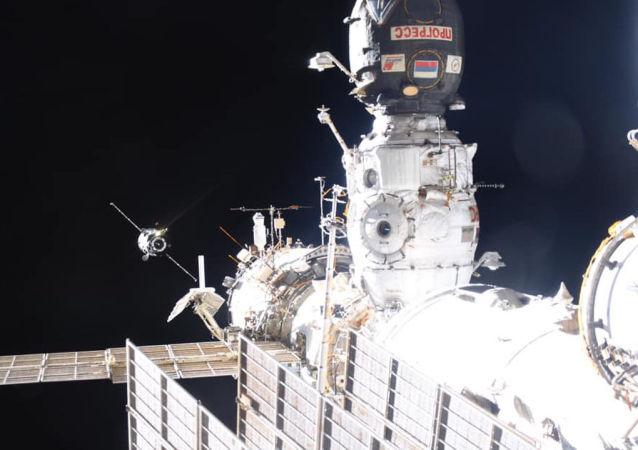 """""""进步MS-10""""货运飞船(资料图片)"""